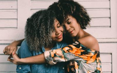 Advent Calendar – DAY 12: GIVE SOMEONE A HUG